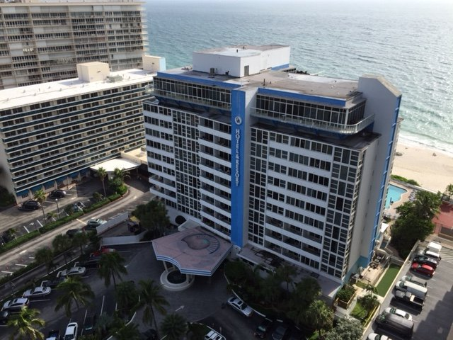 GREAT DEAL!-Beachfront Dream Condo, alquiler de vacaciones en Fort Lauderdale