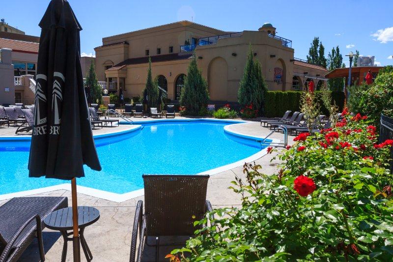 Delta Grand Okanagan Resort: 2 Bedroom Condo, holiday rental in Kelowna