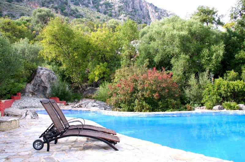 Los Algarrobales - Paraísos Escondidos, vacation rental in Sierra de Grazalema Natural Park