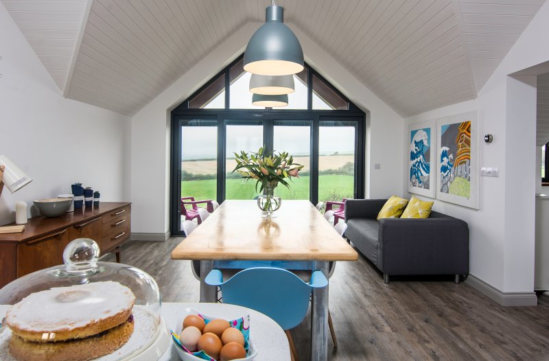 The Lookout, Stunning House, Nr Bude, Sandy Beaches, Coastal Walks, Sleeps 6., vakantiewoning in Bude-Stratton
