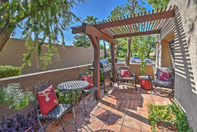 Este pátio privado lindo vai se tornar rapidamente o seu lugar preferido para relaxar neste condomínio Casas de Scottsdale!