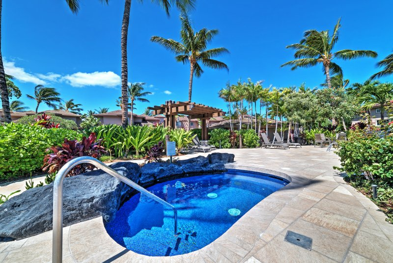 2BR Waikoloa Condo w/Balcony & Community Pool!, location de vacances à Kohala Coast