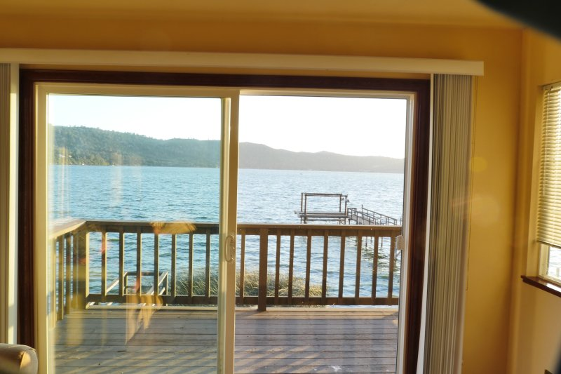 Overlooking clearlake from the living room – semesterbostad i Lucerne