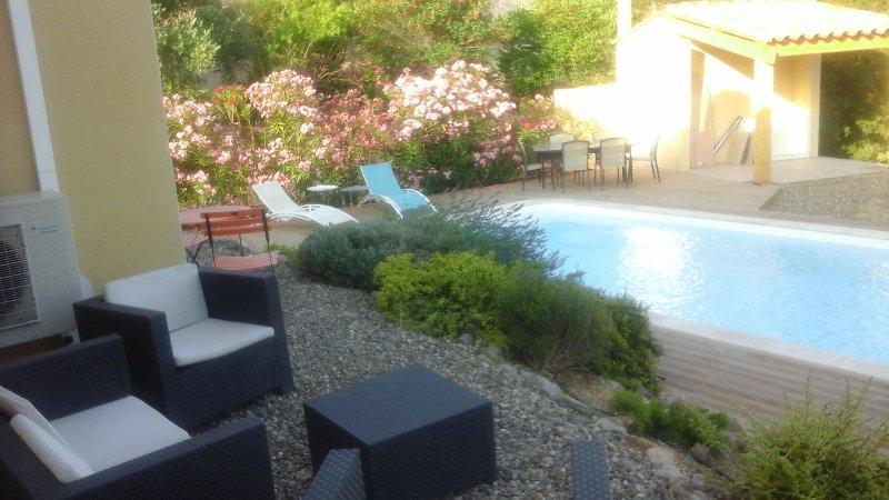 Belle villa, vacation rental in Lezignan-la-Cebe