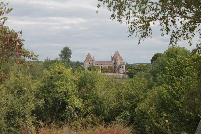 chateau de Laubesc, location de vacances à Blesignac