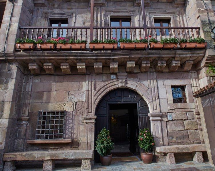 Apartamento Deluxe, vacation rental in Castaneda
