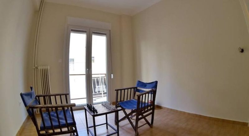 Renovated Apartment, location de vacances à Piraeus