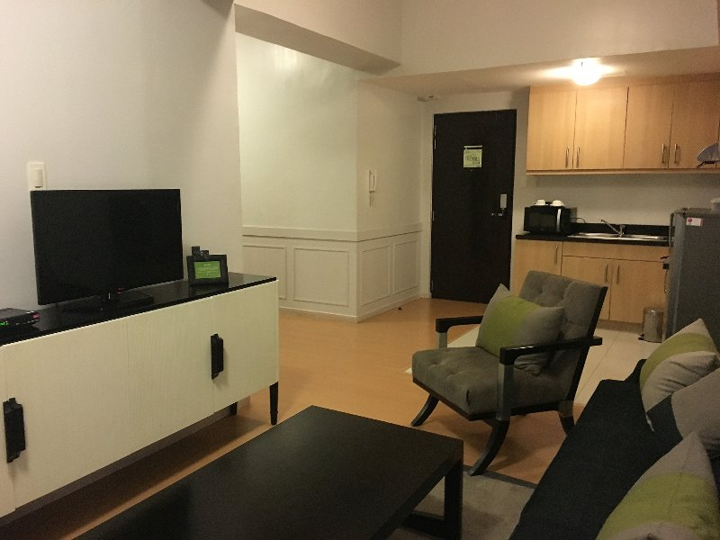 Avant Serviced Suites 1BR 2 - Personal Concierge, vacation rental in Taguig City