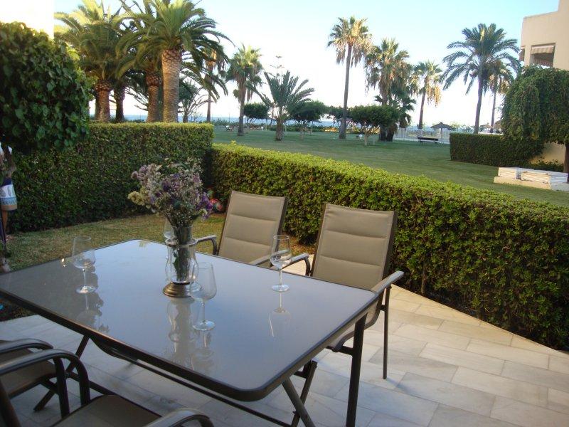 Lovely sea views ground floor Las Mimosas Dosul, holiday rental in La Cala de Mijas