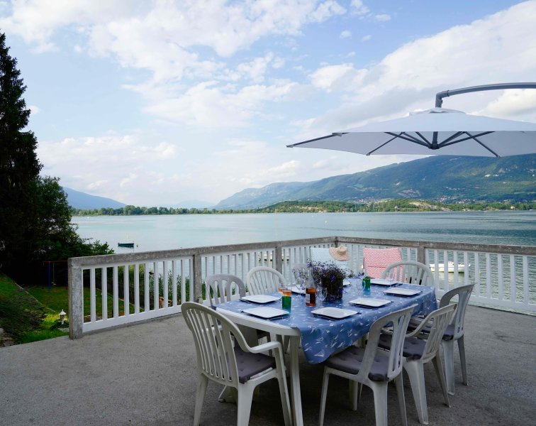 House on the shores of the lake du Bourget, Savoie, location de vacances à Belley