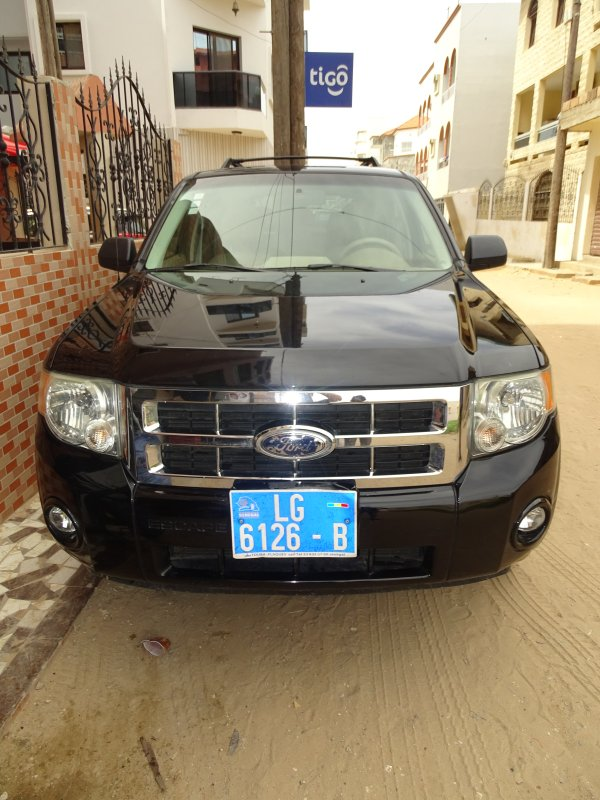 rent my car with my driver at your disposal for your escapades in Dakar