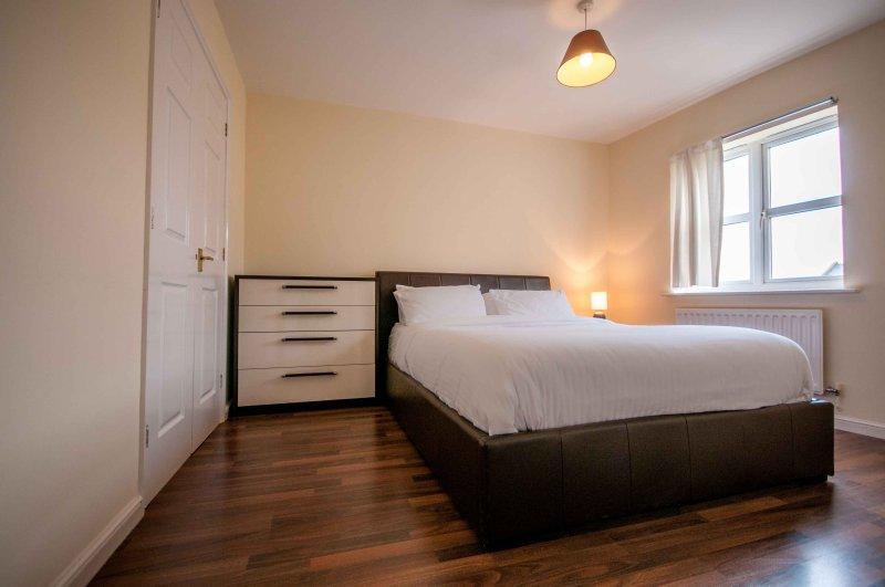 BLUEWATER  OPAL BROWN SUITE  4 Bedroom Unique Space, location de vacances à South Ockendon