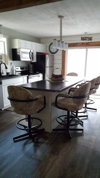 Pet friendly Comfortable Cabin with immediate access to ATV trail!, casa vacanza a Neillsville