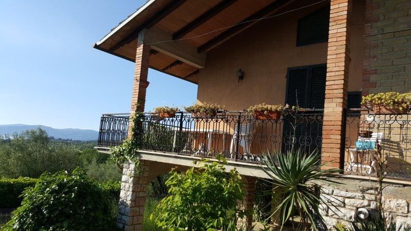 La Terrazza sul lago trasimeno, holiday rental in Sant'Arcangelo