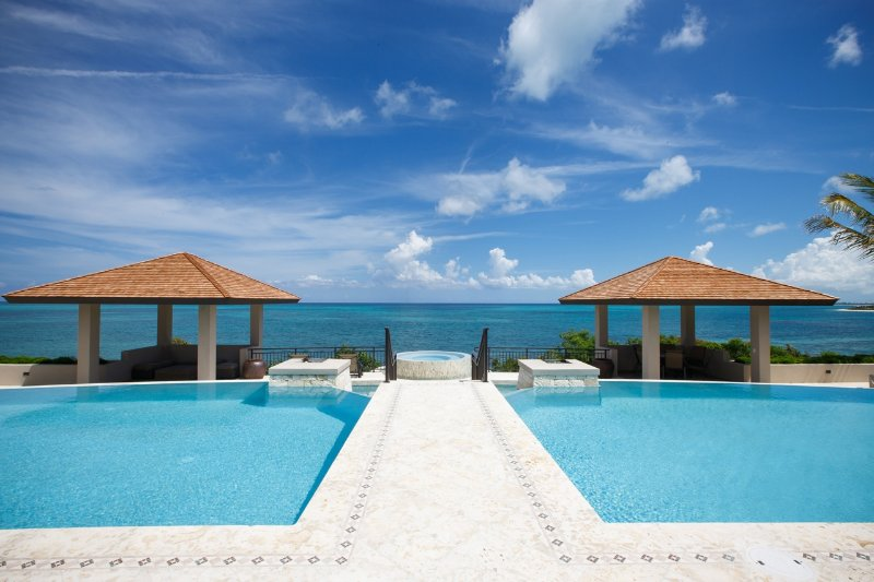 Samsara TCI, Luxury vacation living, just add family and friends!, holiday rental in Providenciales