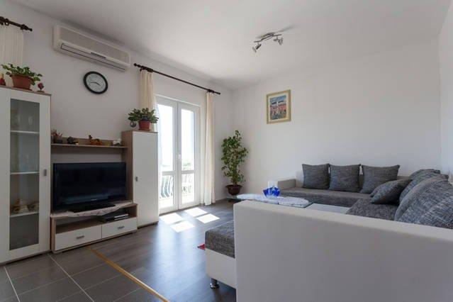 Sunny apartment  Cavtat, alquiler vacacional en Konavle