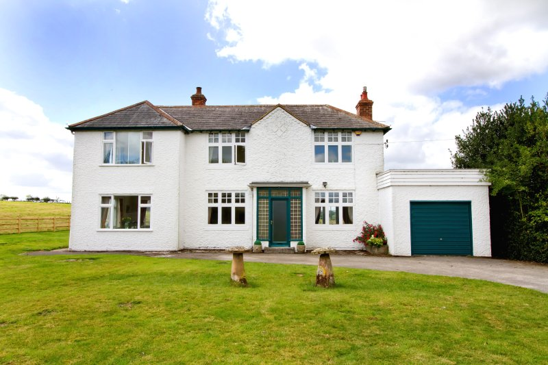 Broomhill Farm is a spacious property set amidst open countryside