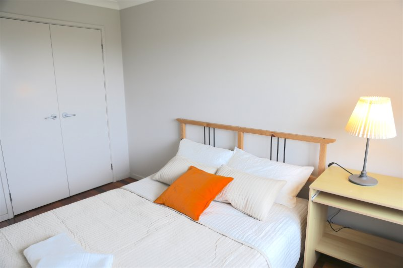 NO.7 Warm Double Room With Shared Bathroom, casa vacanza a Casula