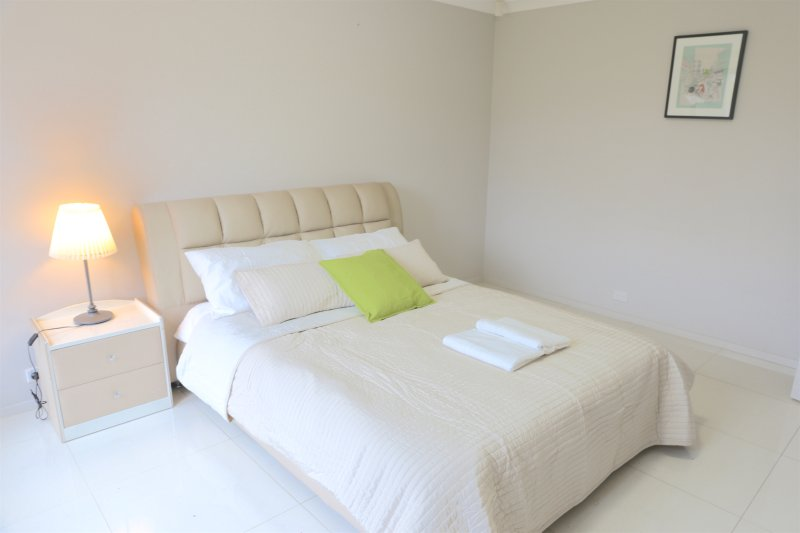 Getaway Holiday Bankstown Lovely Guest House (Whole House), casa vacanza a Casula