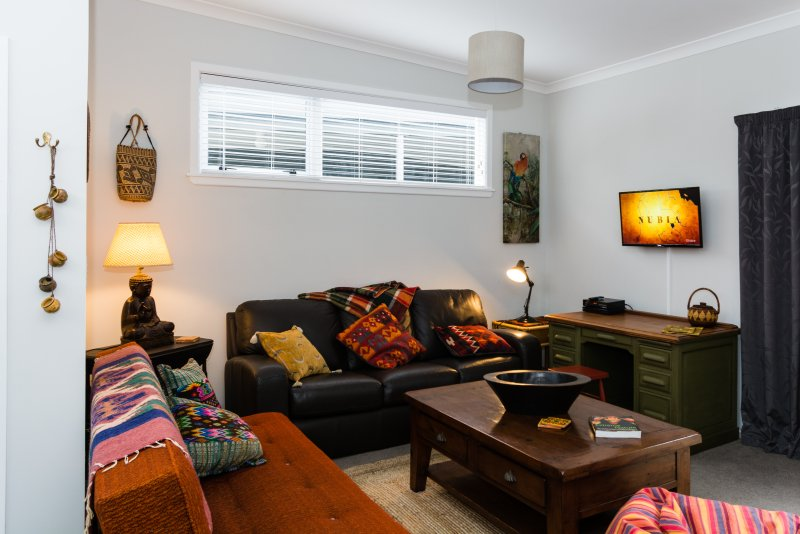 Casita Flora Homestay Wairarapa, holiday rental in Greytown