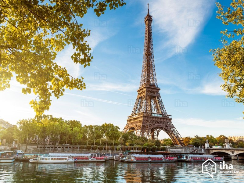 And finally, even Paris is accessible from Le Petit Coin. 1h 45min from Tours by train.