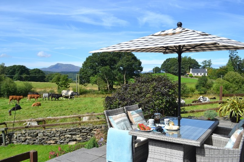 Relax.....enjoy the views of the Snowdonia Mountain Range