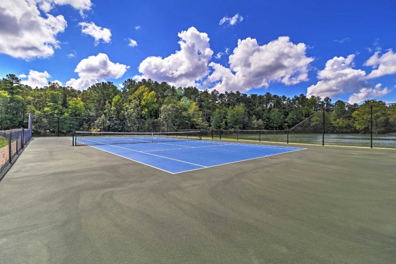 Challenge your friends and family to a tennis match!