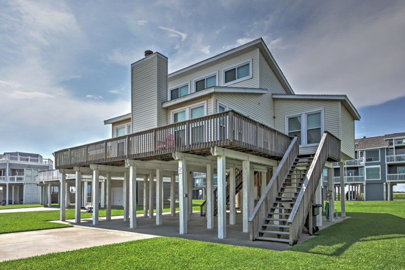 Elevate your Galveston retreat with this stunning vacation rental house.