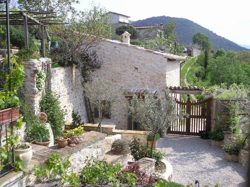 Fienile in borghetto agricolo, Ferienwohnung in Borgo Cerreto