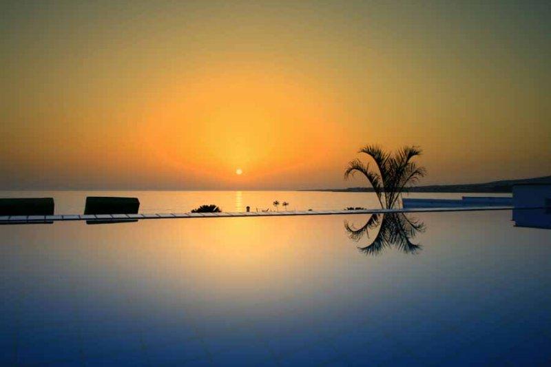 Oceanos Beach Villa, holiday rental in Kissonerga