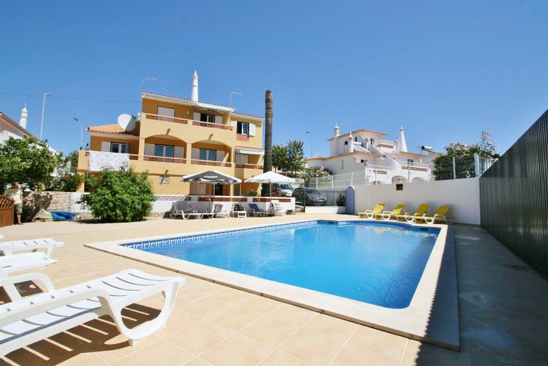 Casa Caseiro - 5 Bedroom Detached Villa With Pool – semesterbostad i Albufeira