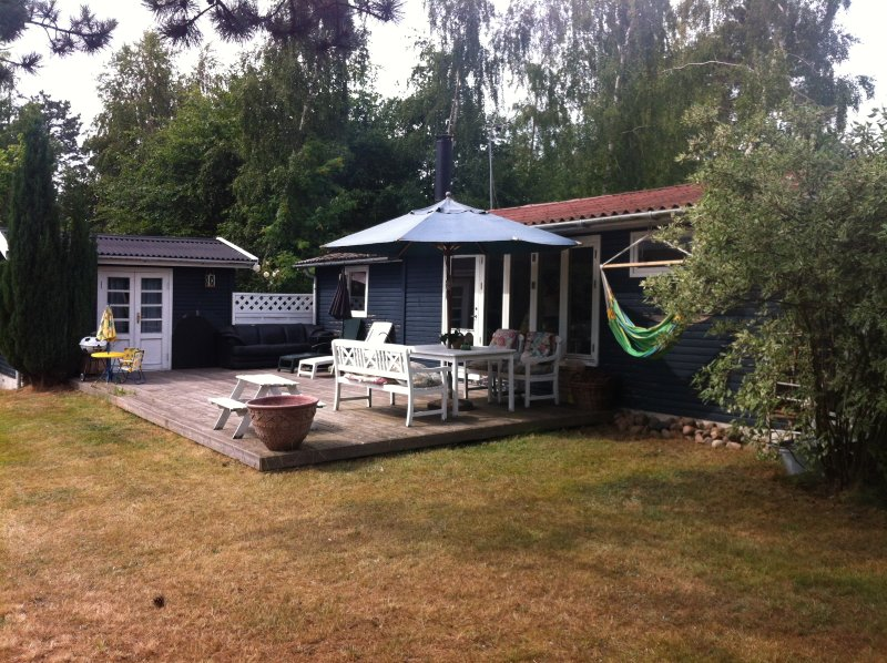 Cottage on the cozy Island Orø, next to Copenhagen, location de vacances à Skjoldenaesholm