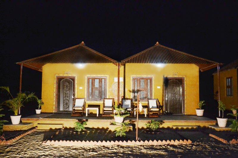 Pushkar Adventure Camp With Overnight Camel Safari, holiday rental in Ajmer District