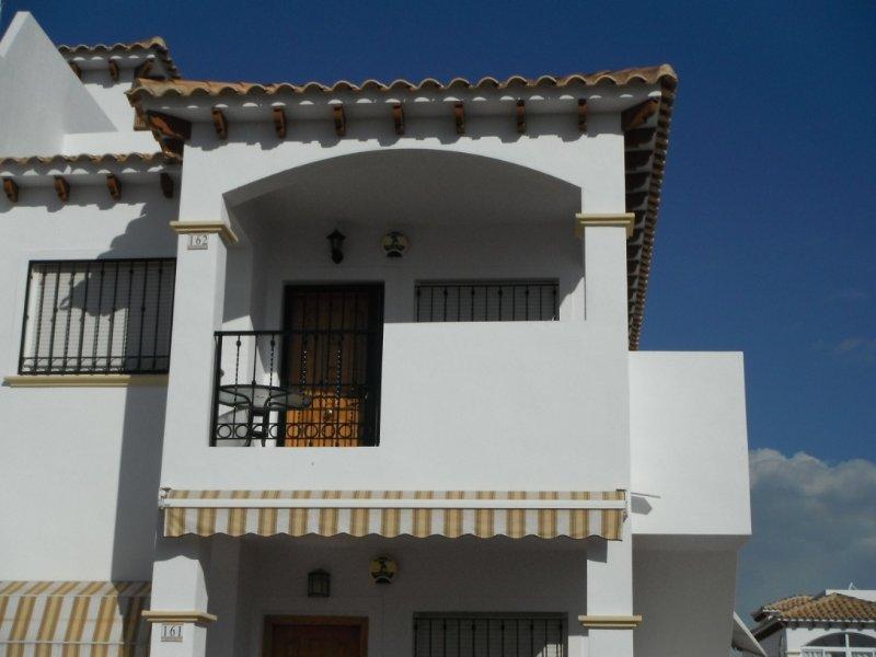 2 bedroom first floor apartment La Cinuelica R15, holiday rental in Punta Prima