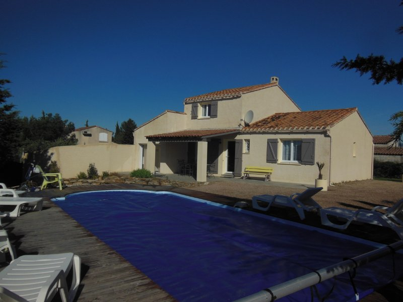 View villa without opposite with swimming pool 9,30 x 3,85 sunbathing chairs and bench