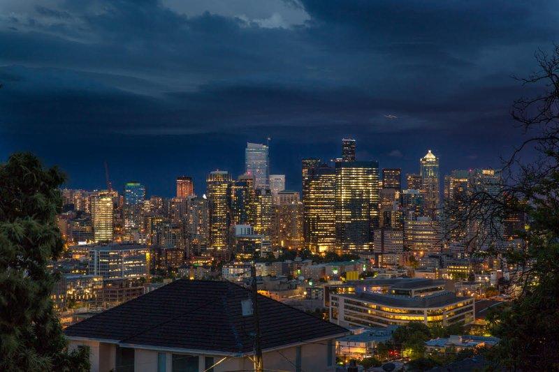 Jeden Abend das atemberaubende Seattle Innenstadt direkt vor Ihnen-Foto von Meister bedm genommen ist