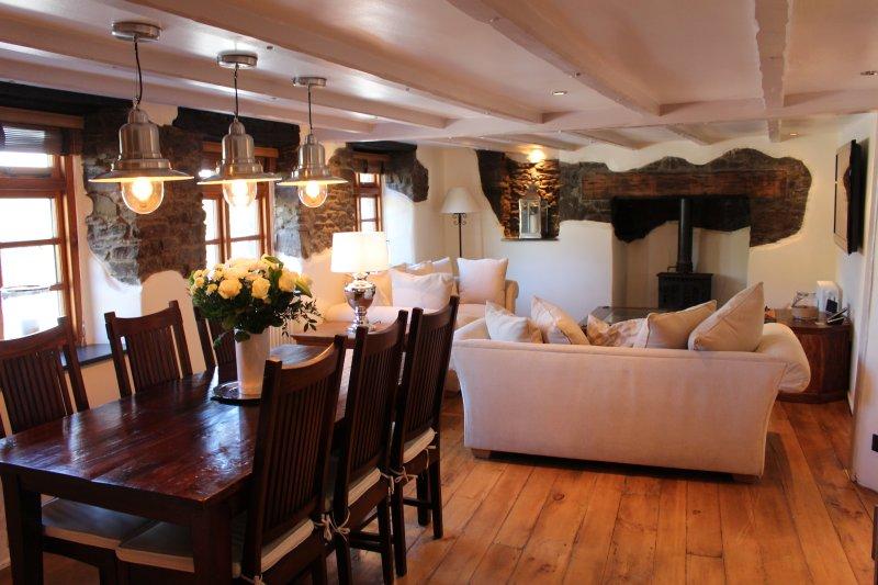 Devonia Cottage Croyde Sleeps 6 Private Hot Tub, casa vacanza a Saunton