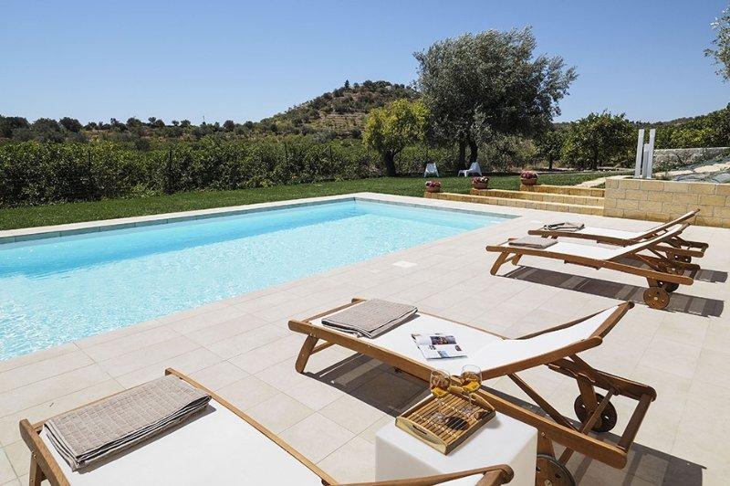 Casa Nesoi holiday vacation apartment villa rental italy, sicily, noto, near bea, alquiler vacacional en Noto