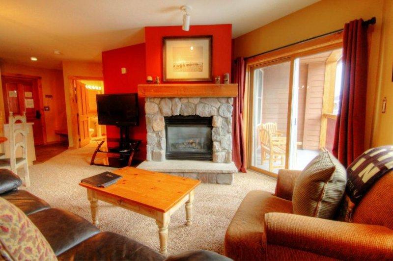 SkyRun Property - '8401 Buffalo Lodge' - Living Room