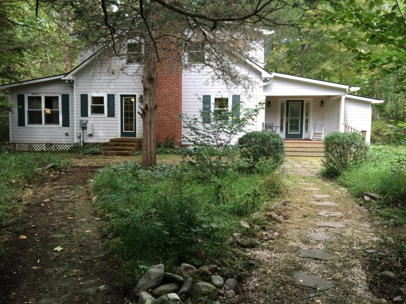 Welcome to Spruce Creek Retreat - a unique riverside cottage!