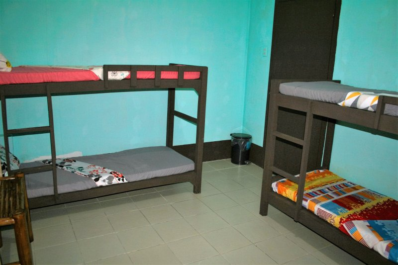 Rooms for Groups, 8 Street Guesthouse, Hostel, holiday rental in Asturias