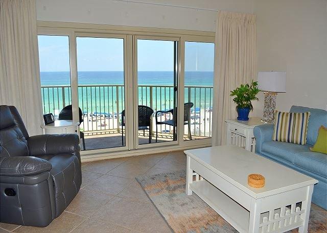 Beach Manor 510 Living Room