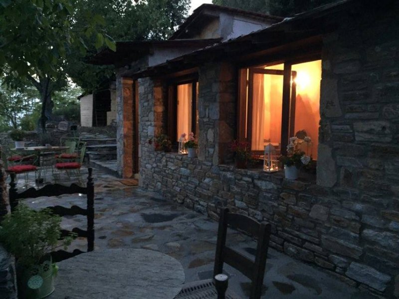 The little house in the forest close to Milies, vacation rental in Milies