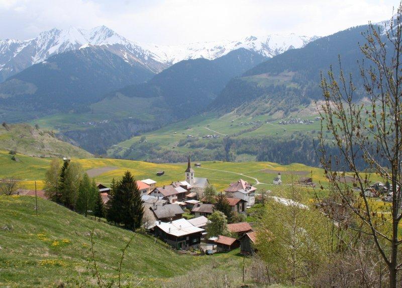 Ruhig gelegene Ferienwohnung in Skigebietnähe, casa vacanza a Vals