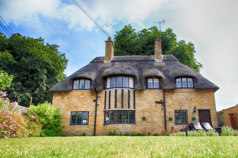 Thatched Cottage in Broadway: The Jewel of The Cotswolds, casa vacanza a Childswickham
