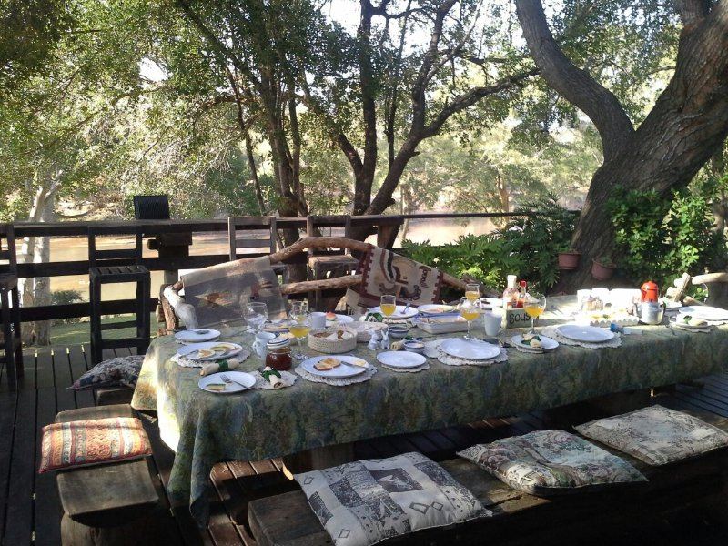 Rio dos Elefantes River Camp, holiday rental in Balule Nature Reserve