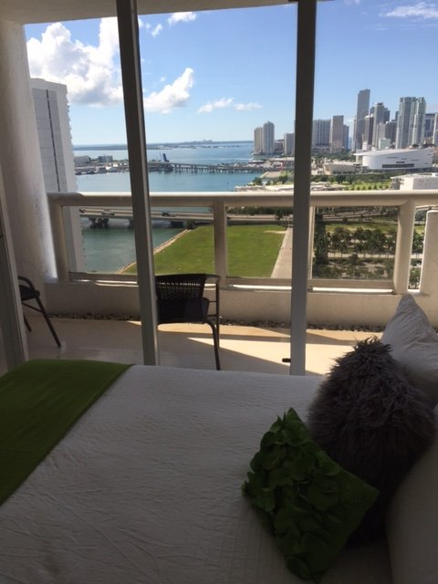 LUXURY BAY VIEW 1 BEDROOM DELICATE FURNISHING, vacation rental in Miami