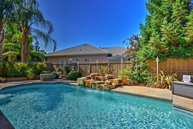 Treat yourself to a relaxing California retreat at this Elk Grove vacation rental house!