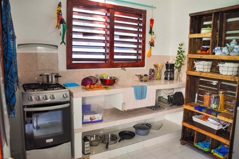 Your complete little kitchen with a lovely Caribbean breeze
