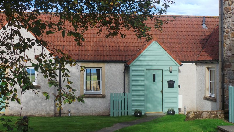 Bell Rock Cottage in the stunning Fife countryside, close to St. Andrews